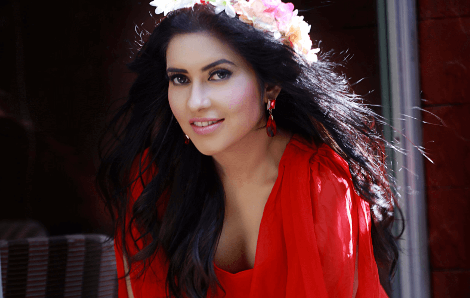 Aanchal Singh Wiki, Biography, Age, Images, Movies & More