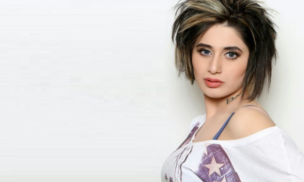 Alisha Khan Wiki, Biography, Age, Movies, Family, Images