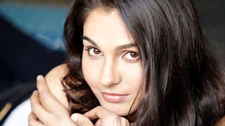Andrea Jeremiah Wiki, Biography, Age, Family, Movies, Songs