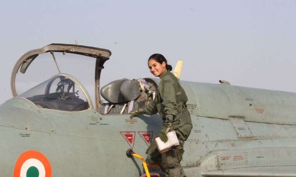 Avani Chaturvedi (Pilot) Wiki, Biography, Age, Family, Career, Images