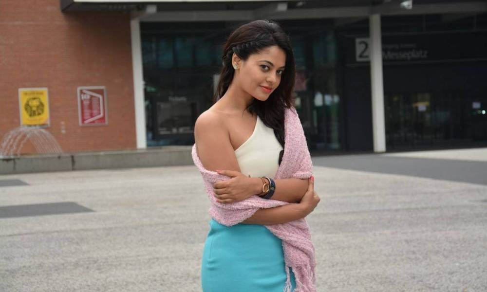 Bindu Madhavi Wiki, Biography, Bigg Boss Age, Model, Movies, Images and More