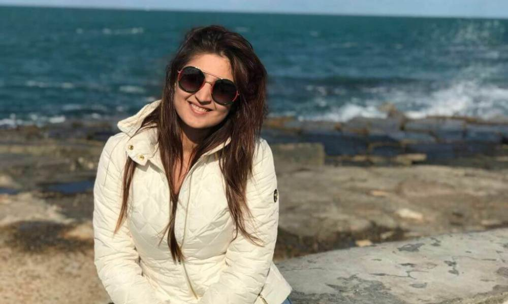 Dhvani Bhanushali Wiki, Biography, Age, Songs, Images