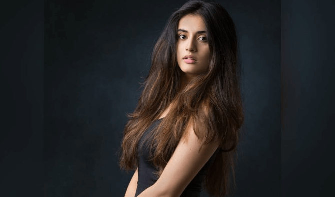 Divyansha Kaushik Wiki, Biography, Age, Movies, Images & More