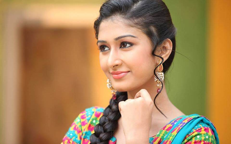 Farnaz Shetty Wiki, Biography, Age, Serials, Family, Images