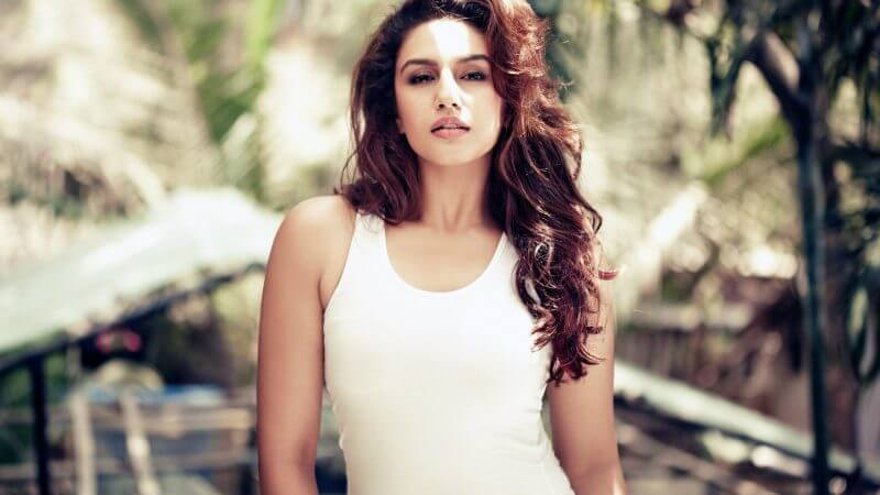 Huma Qureshi Wiki, Biography, Age, Husband, Movies, Videos, Images and More