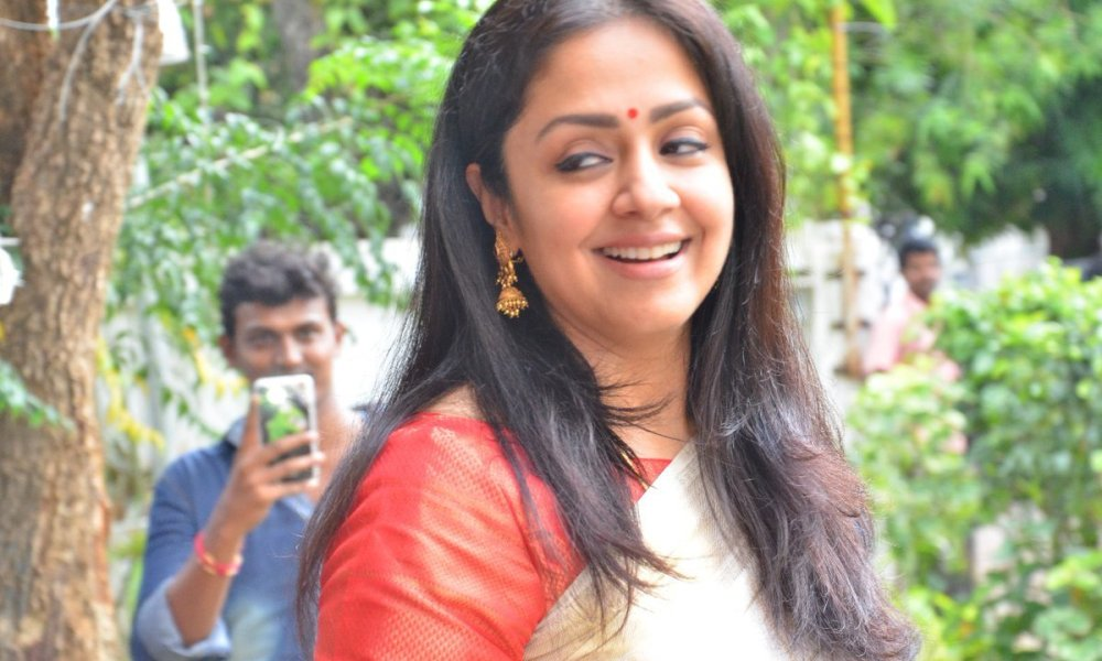 Jyothika Wiki, Biography, Age, Movies List, Family, Images & More