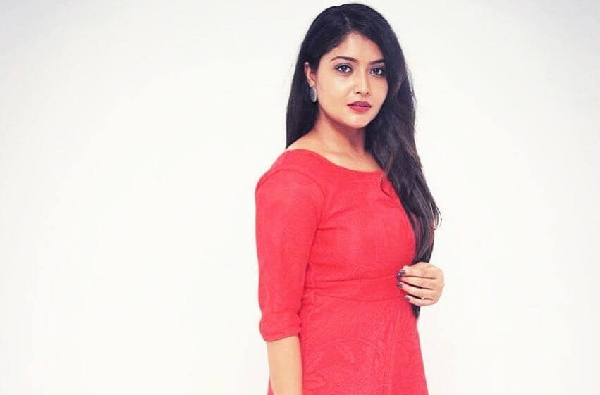 Kruttika Ravindra Wiki, Biography, Age, Family, Movies, Images