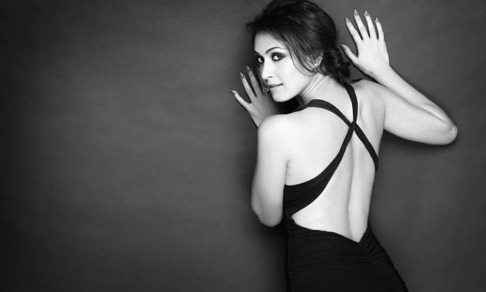 Manjari Fadnis Wiki, Biography, Age, Movies List, Family, Images