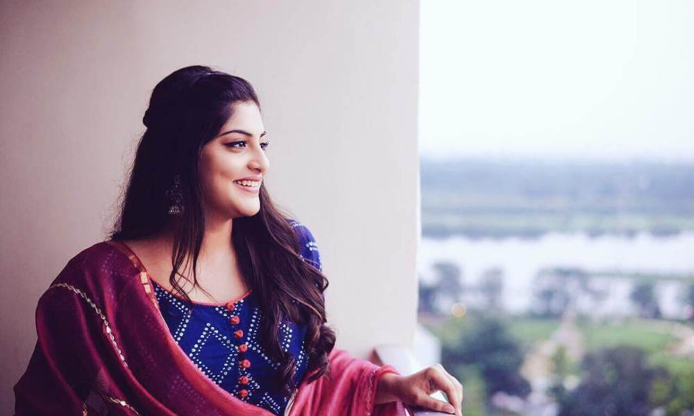 Manjima Mohan Wiki, Biography, Age, Movies List, Family, Images