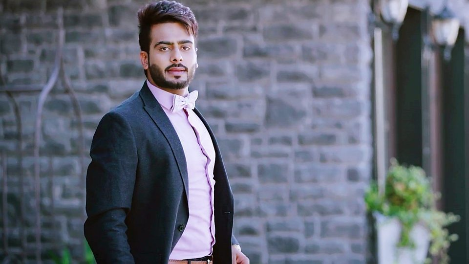 Mankirt Aulakh Wiki, Biography, Age, Songs, Family, Images
