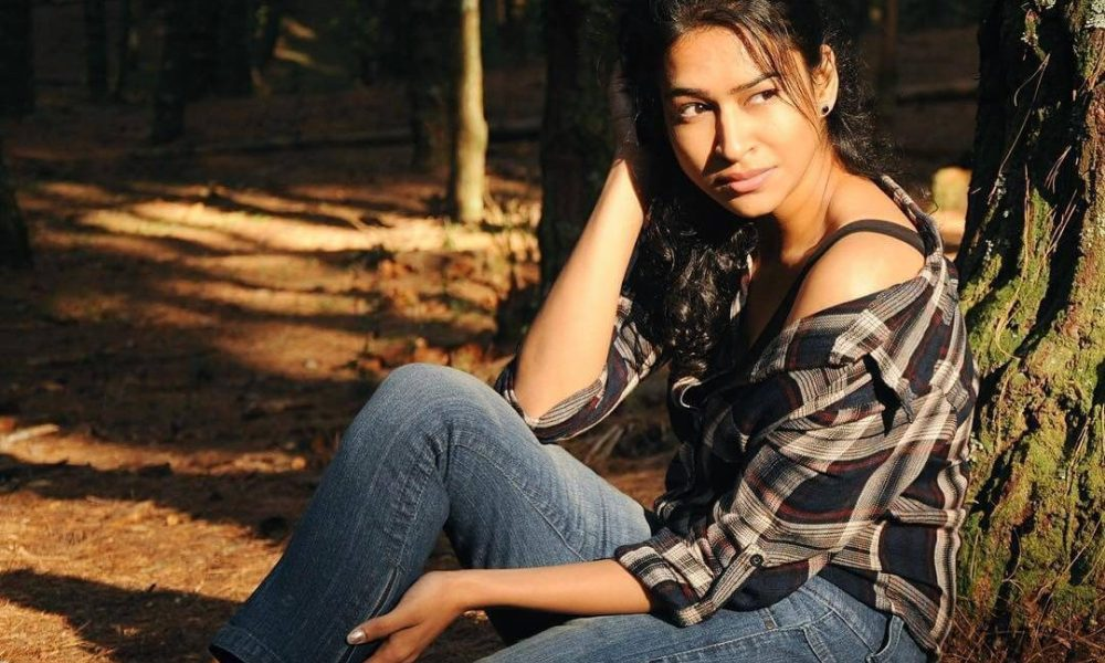 Misha Ghoshal Wiki, Biography, Age, Movies, Family, Images