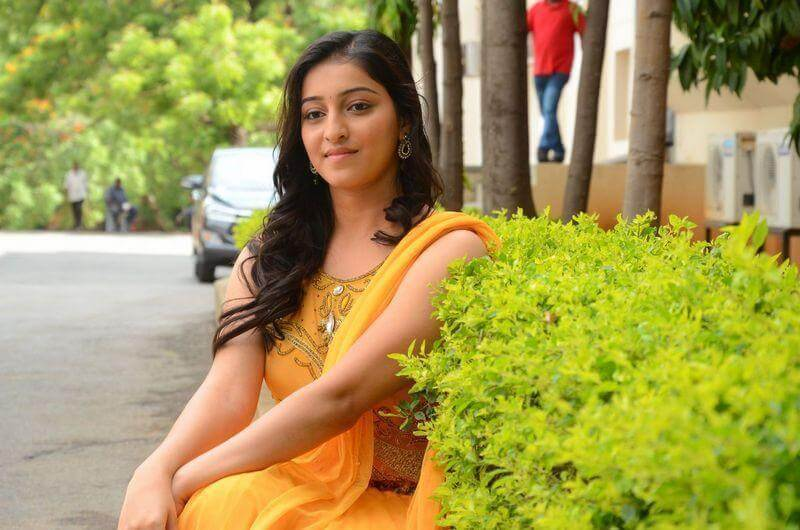 Mouryani Wiki, Biography, Age, Family, Movies, Images