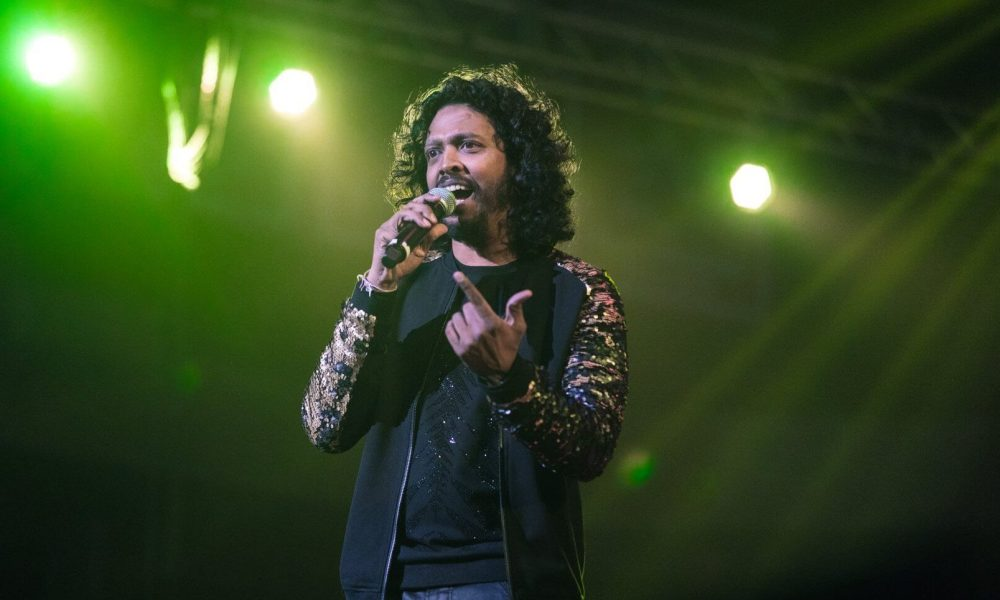 Nakash Aziz Wiki, Biography, Age, Songs List, Family, Images