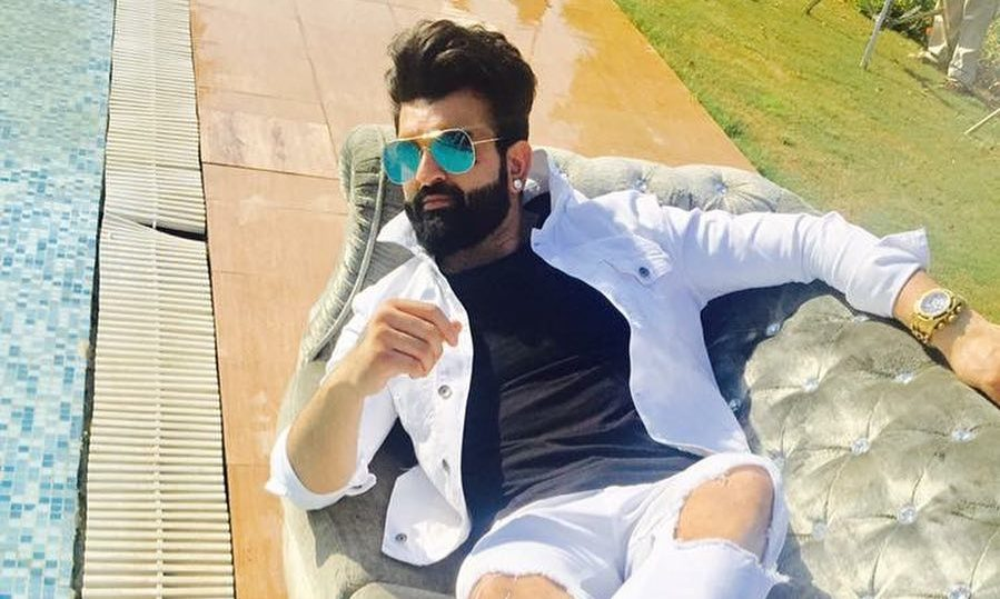 Navraj Hans Wiki, Biography, Age, Family, Songs, Images