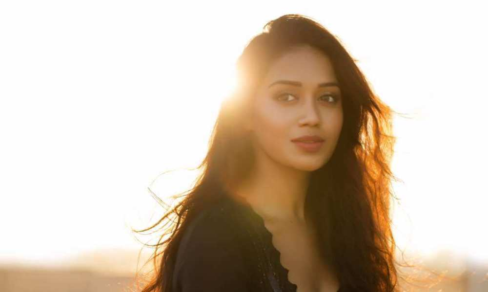 Nivetha Pethuraj Wiki, Biography, Age, Husband, Movies, Images & More