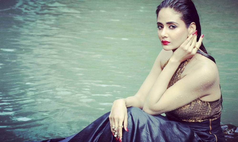 Parul Yadav Wiki, Biography, Age, Family, Movies, Images