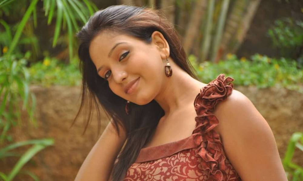 Pavani Reddy Wiki, Biography, Age, Husband, Movies, Videos, Images and More