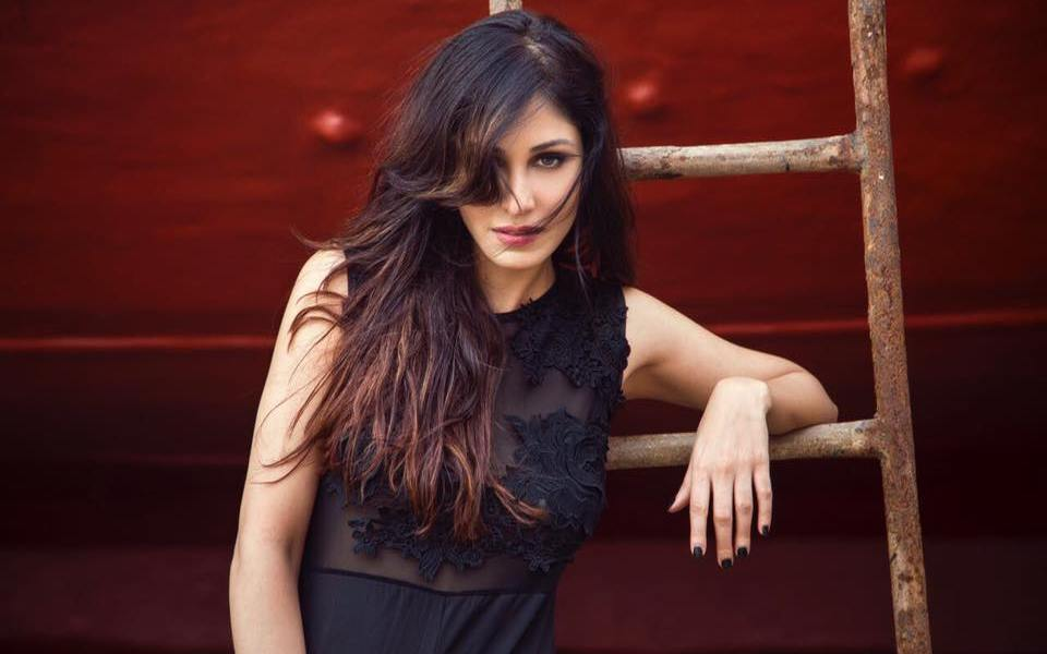 Pooja Chopra Wiki, Biography, Age, Movies, Family, Images