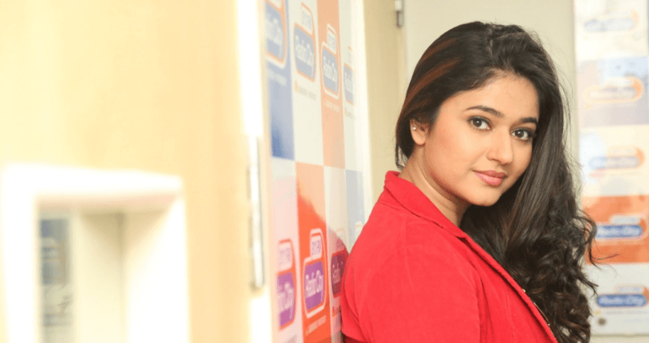 Poonam Bajwa Wiki, Biography, Age, Images, Movies List