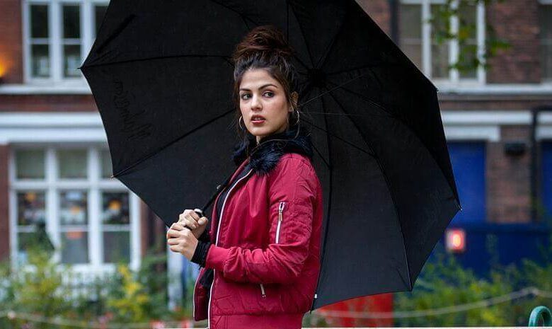 Rhea Chakraborty Wiki, Biography, Age, Movies, Family, Images