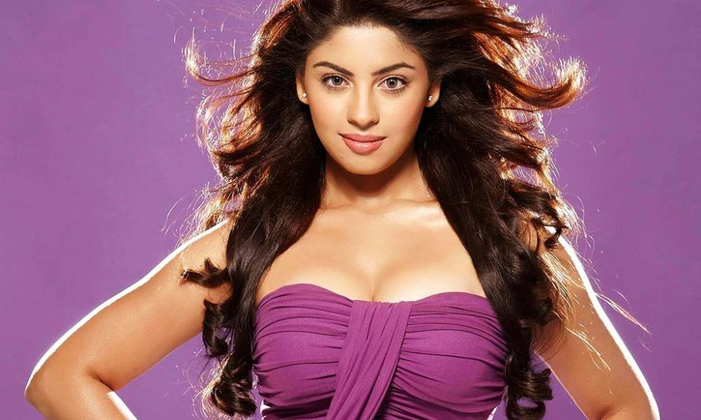 Richa Gangopadhyay Wiki, Biography, Age, Movies, Family, Images