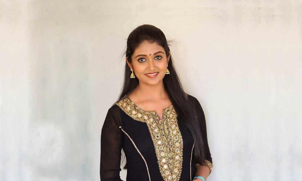 Rinku Rajguru Wiki, Biography, Age, Movies, Family, Images