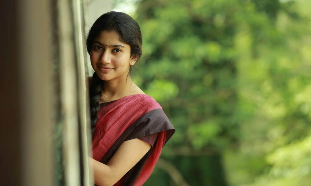 Sai Pallavi Wiki, Biography, Age, Husband, Dance Videos, Movies, Photos and More