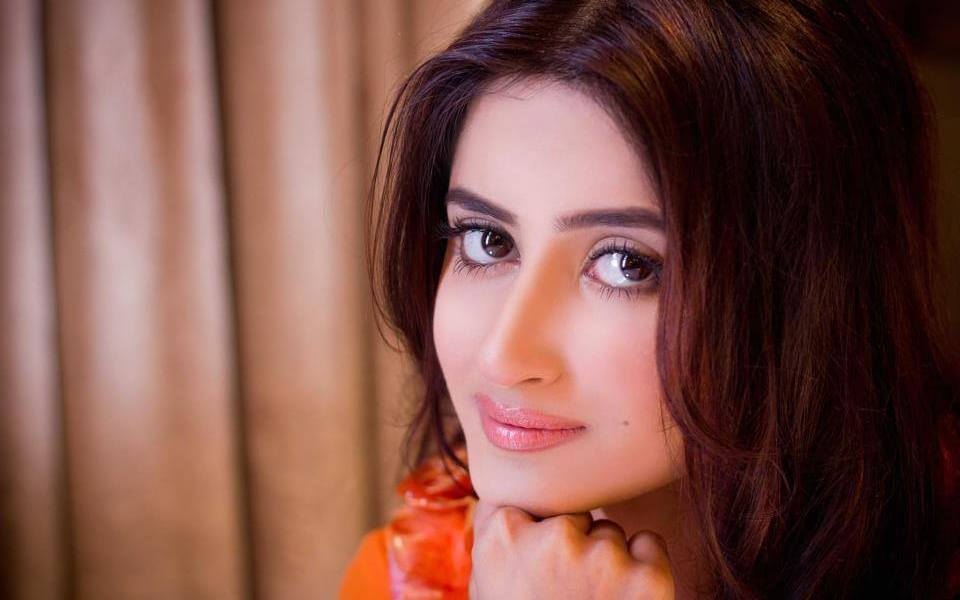 Sajal Aly Wiki, Biography, Age, Movies, Serials, Images
