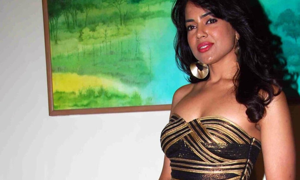 Sameera Reddy Wiki, Biography, Age, Movies List, Family, Images