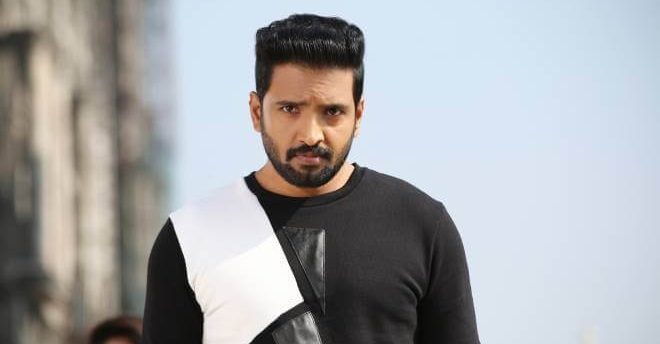 Santhanam Wiki, Biography, Age, Wife, Movies, Images