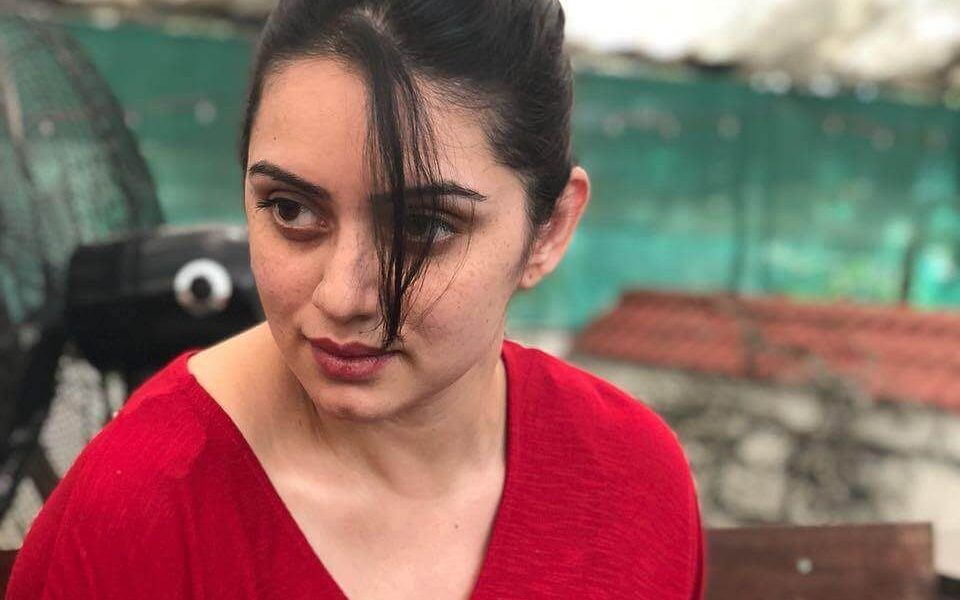Shruti Marathe Wiki, Biography, Age, Movies, Family, Images