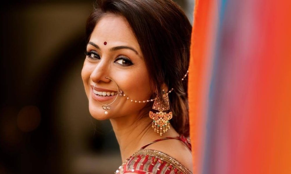 Simran Wiki, Biography, Age, Family, Movies List, Photos