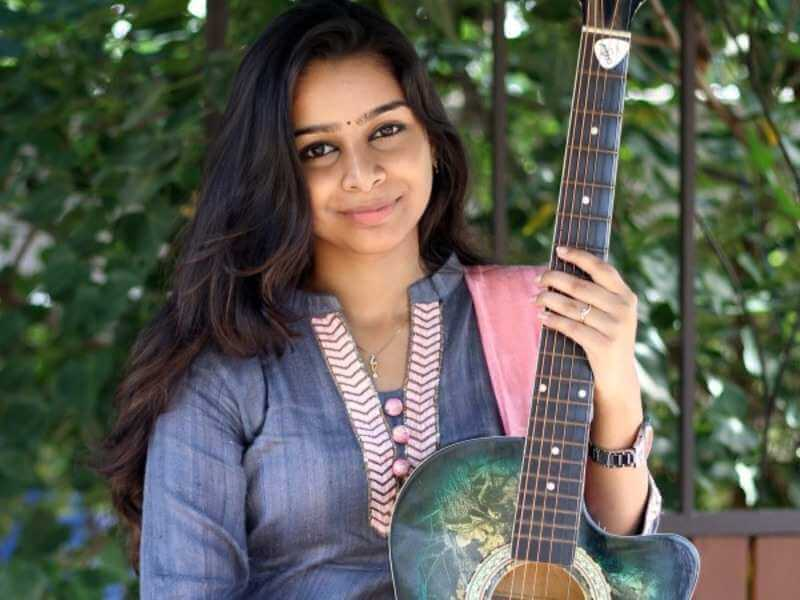 Sivatmikha (The Gaana Girl) Wiki, Biography, Age, Songs, Images