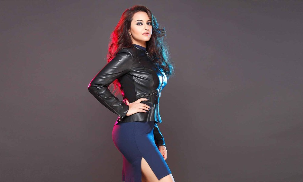 Sonakshi Sinha Wiki, Biography, Age, Movies List, Family, Images