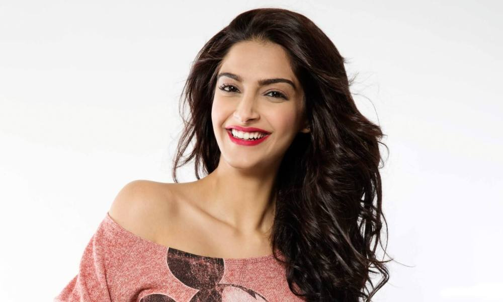 Sonam Kapoor Wiki, Biography, Age, Husband, Movies List, Photos