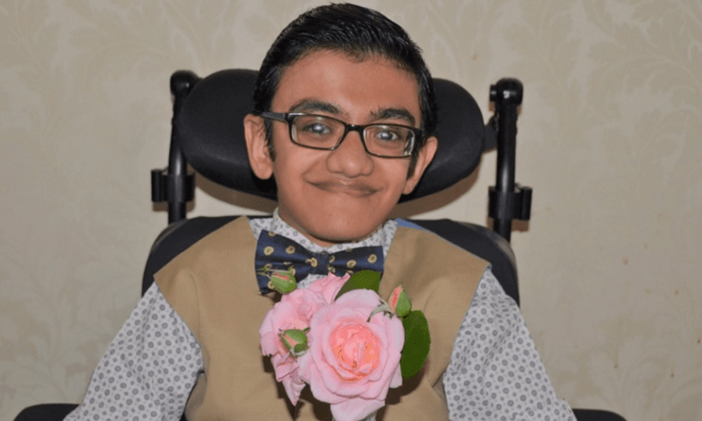 Sparsh Shah Wiki, Biography, Age, Family, Songs, Images
