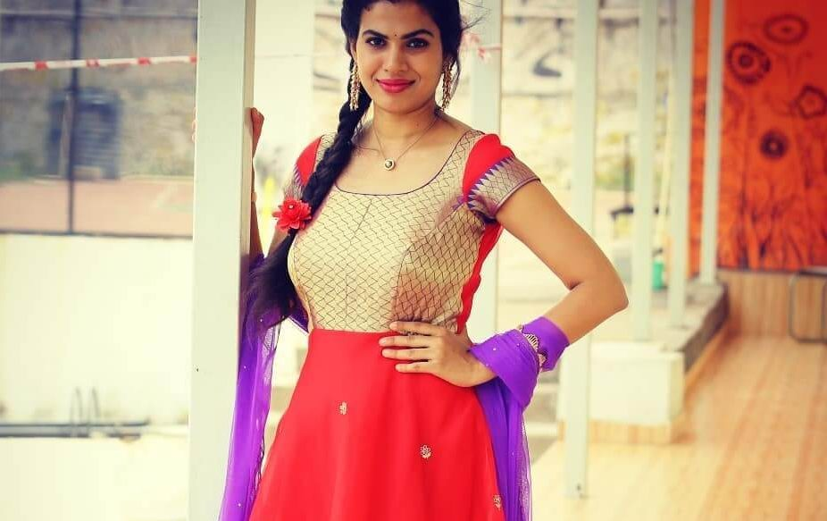 Sravana Bhargavi Wiki, Biography, Age, Songs, Family, Images
