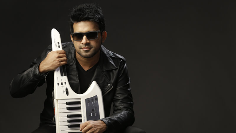 Stephen Devassy Wiki, Biography, Age, Family, Songs, Images