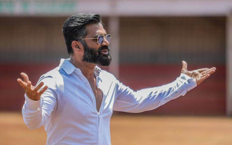 Suniel Shetty Wiki, Biography, Age, Movies List, Family, Images