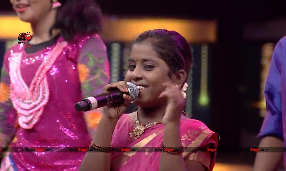 Super Singer Dharshini Wiki, Biography, Age, Songs, Images