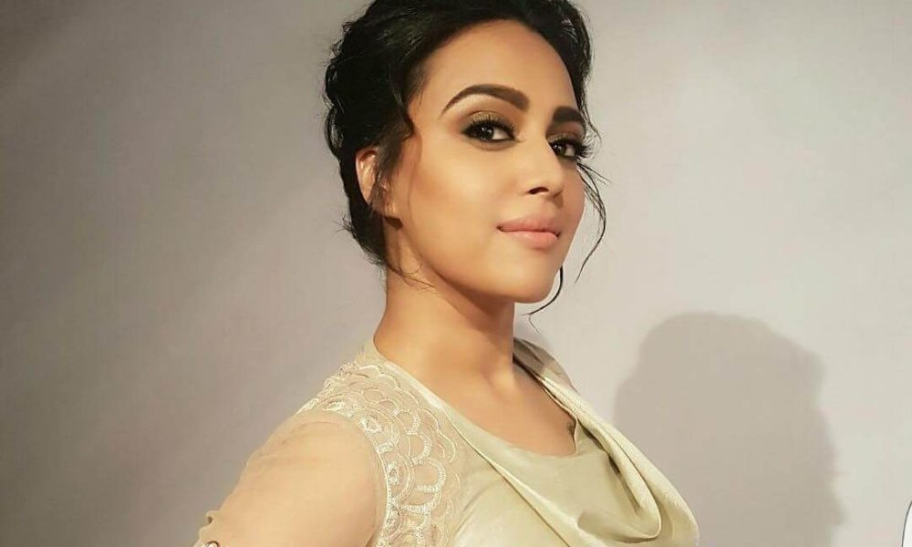 Swara Bhaskar Wiki, Biography, Age, Movies, Family, Images