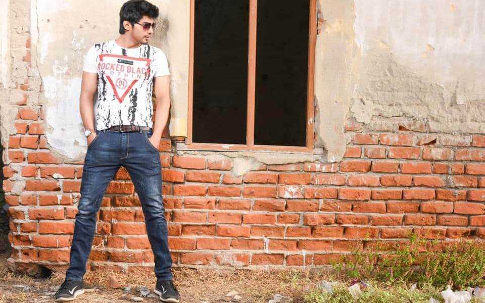 Tharshan Thiyagarajah Wiki, Biography, Age, Family, Bigg Boss, Images & More