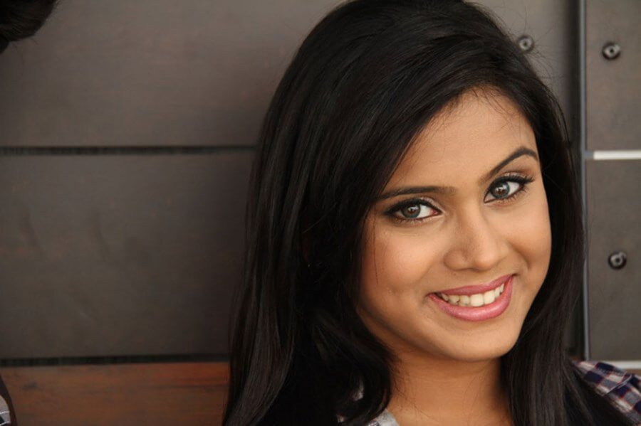 Thulasi Nair Wiki, Biography, Age, Movies, Family, Images