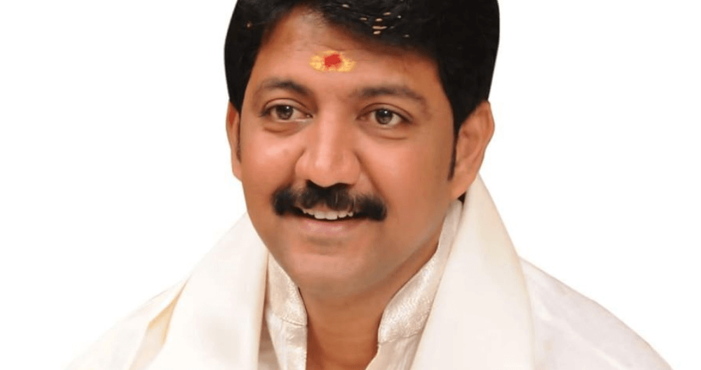 Vallabhaneni Vamsi Wiki, Biography, Age, Family, Images & More