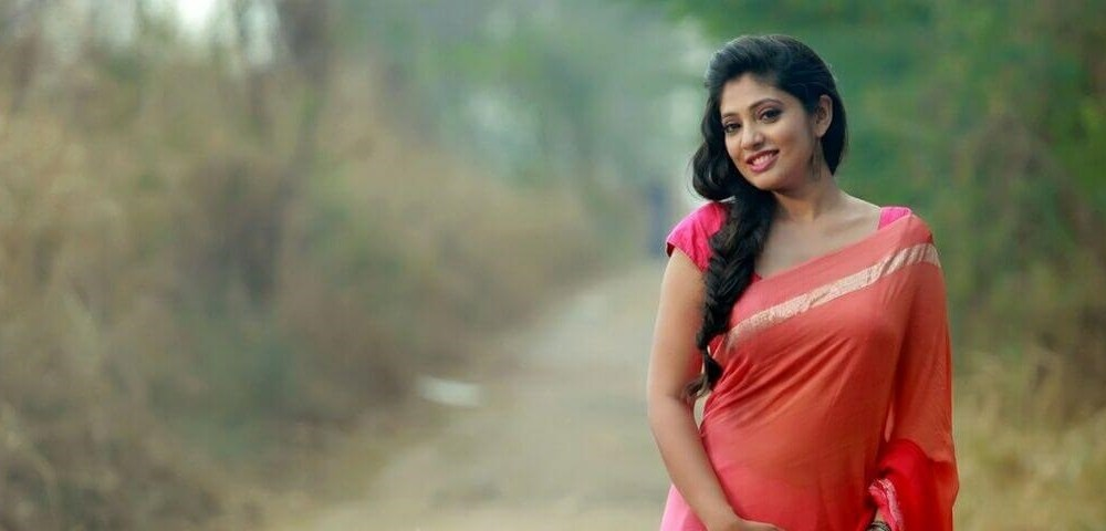 Veena Nandakumar Wiki, Biography, Age, Movies, Images, Latest Hot Photoshoots & more