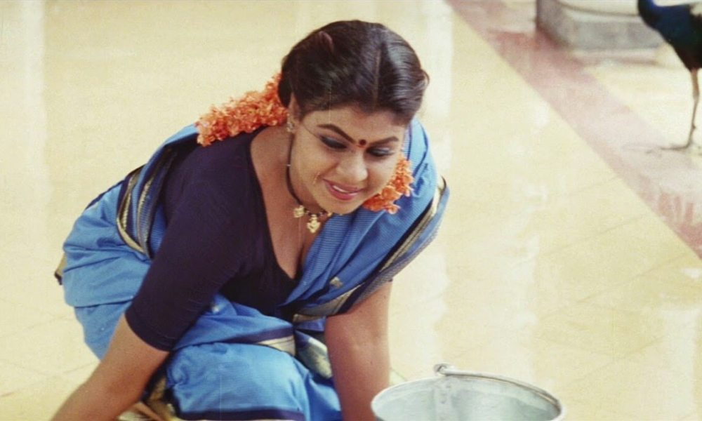 Vichithra (Actress) Wiki, Biography, Age, Movies, Family, Images