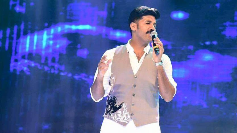 Vijay Yesudas Wiki, Biography, Age, Songs, Wife, Images