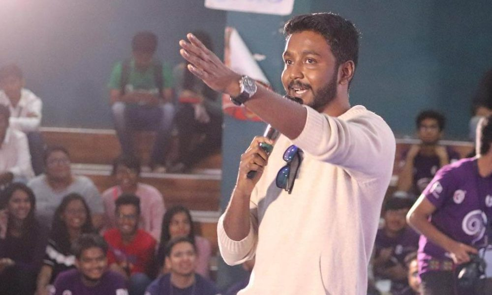 Vineeth Vincent Wiki, Biography, Age, Family, Images